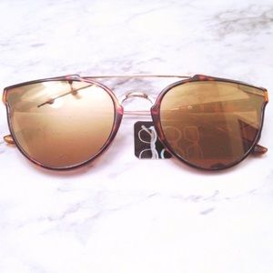 Accessories - Tortoise Shell Style Sunglasses